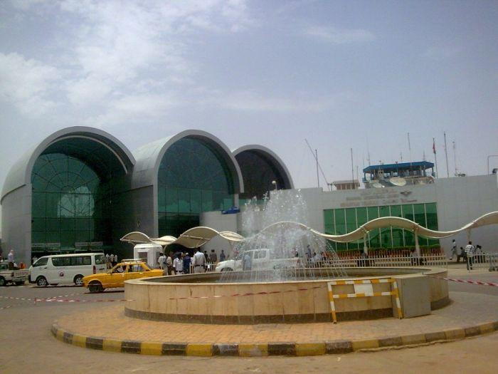 Photo of السودان فتح مطار الخرطوم لإجلاء أجانب