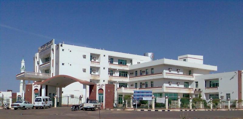 Photo of حالة من الهياج تدفع نظاميين لإيساع أطباء مستشفى أم درمان ضرباً