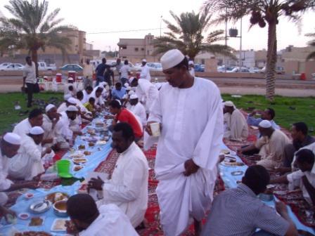 """Photo of """"الديانة التركي"""" يقيم إفطارًا جماعيًا لـ300 شخص بالخرطوم"""
