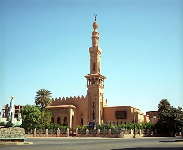 Photo of مواطنون بشرق الجزيرة يعتدون بالضرب على داعية اسلامي