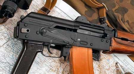 سلاح كلاش مسدس جرائم
