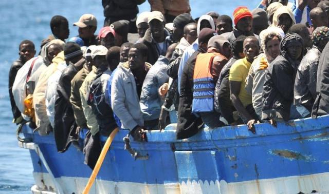 """Photo of مقتل 30 مهاجرًا في ليبيا على يد أسرة أحد تجار البشر """"انتقامًا"""" لمقتله"""