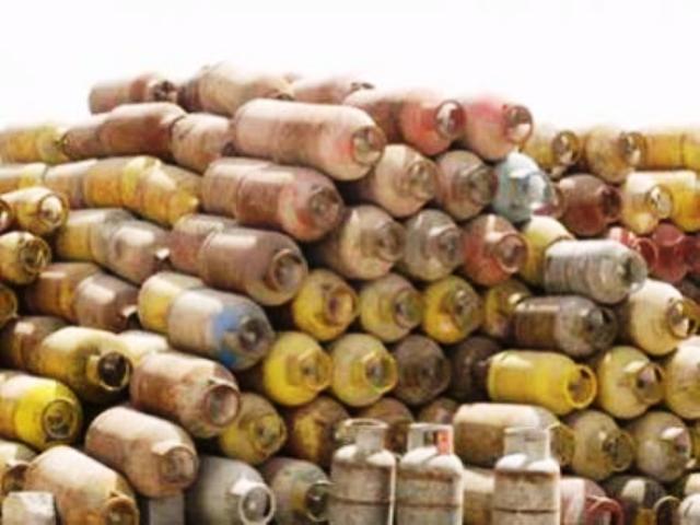 Photo of جهاز الأمن يداهم أكبر مخزن بالخرطوم لبيع الغاز بأسعار عالية
