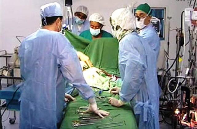 Photo of الموت يغيب بروفيسور شرف الدين الجزولي كبير اخصائي العظام ومدير مستشفى شرق النيل