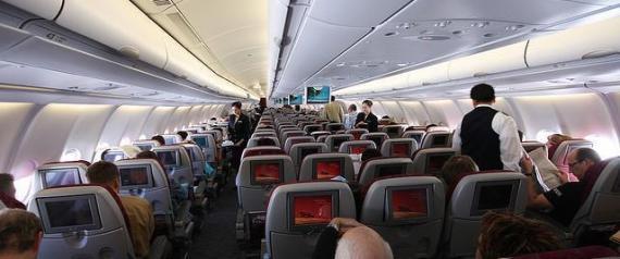 Photo of السعودية.. السماح لغير المسافرين بدخول الصالات وتقديم الوجبات على الطائرة