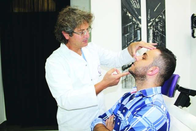 Photo of الصحة السعودية : صالونات التجميل والحلاقة والنوادي الرياضية آخر ما سيُسمح به بعد انتهاء الفيروس