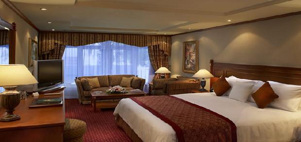 Photo of مالك فندق تجسس على نزلائه بكاميرا خفية 29 عاما لإعداد دراسة جنسية