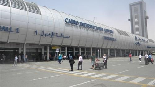 Photo of مطار القاهرة يحبط تهريب جلود تمساح وأدوية مع راكب سوداني