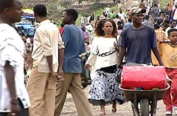 Photo of الأمن يحبط تهريب إريتريين على الحدود السودانية الليبية