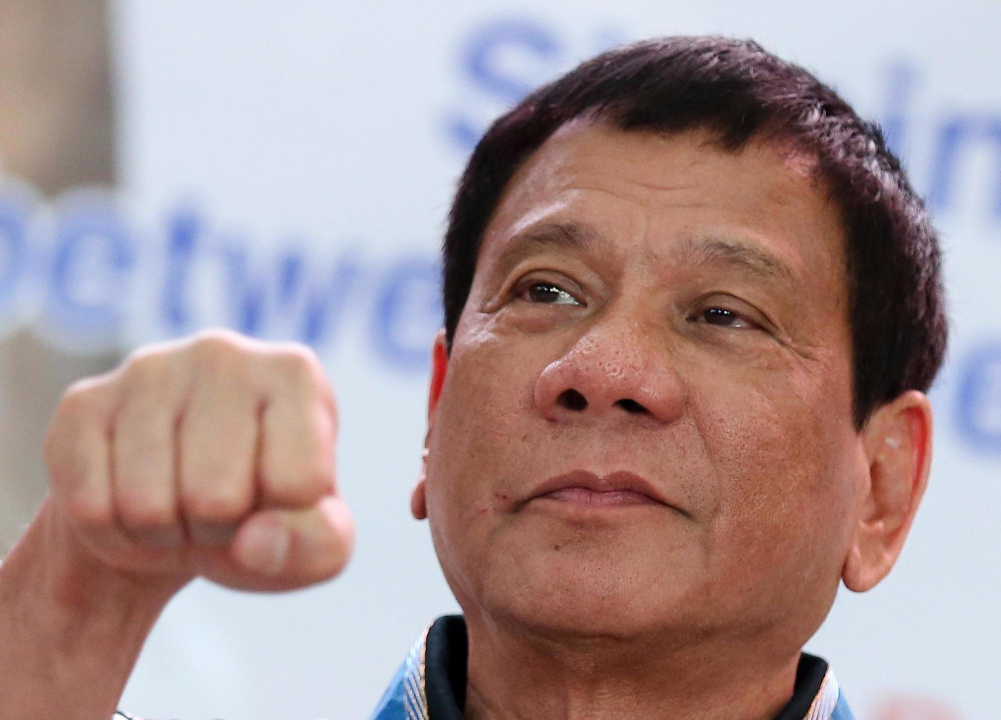 Photo of أزمة العمالة الفلبينية بالكويت تتصاعد.. 2200 شخص يريدون مغادرة البلد الخليجي استجابة لعرض الرئيس دوتيرتي
