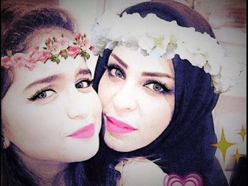 Photo of شاهد.. ماذا فعلت حلا الترك بعد العودة لوالدتها؟