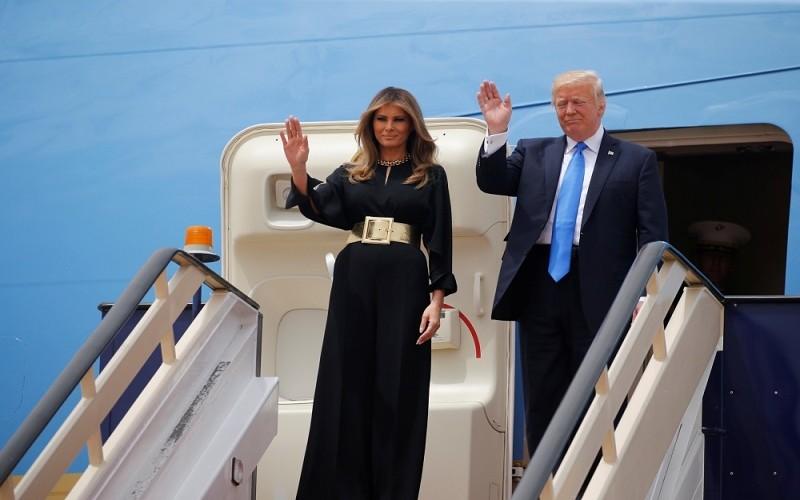 Photo of نقل زوجة ابن ترامب إلى المستشفى بعد تعرضها لمسحوق أبيض