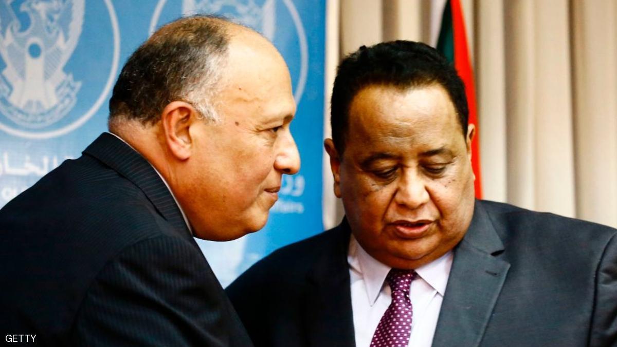 Photo of قناة الجزيرة : لماذا أقال الرئيس السوداني وزير خارجيته؟