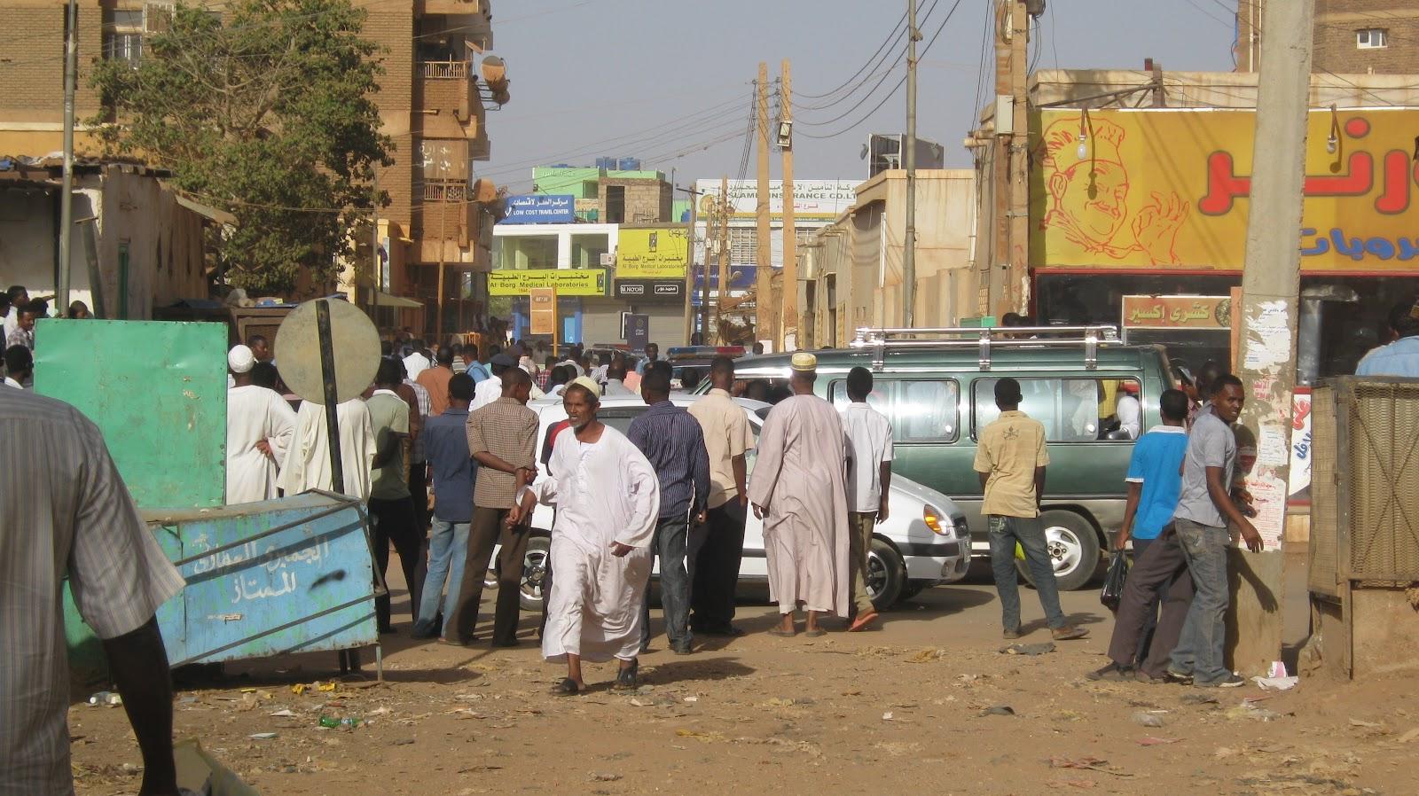 Photo of تغريم (6) أشخاص يبيعون أطعمة دون تصديق في نهار رمضان