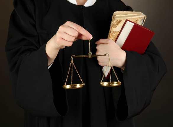 Photo of أسرار مولعة نار : إجراءات قانونية ضد مذيعة شهيرة