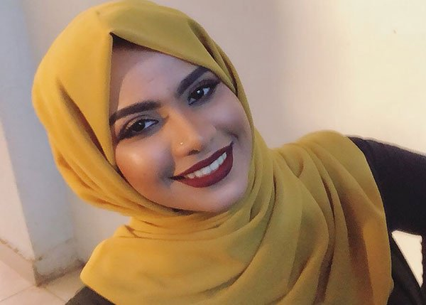 """Photo of """"لوشي"""" مدافعة عن (عشم ): (كلنا لبسنا كدا.. وفضلنا الداخليات عن بيت حبوبة)"""