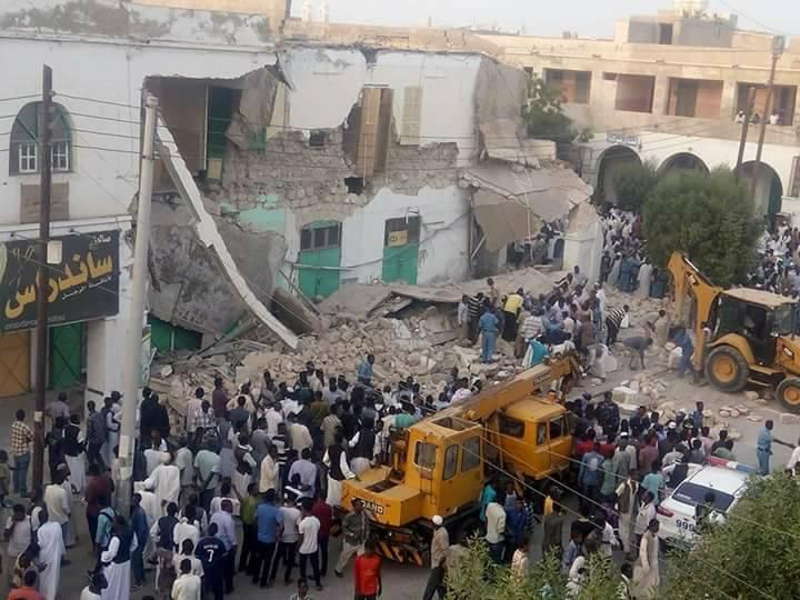 Photo of بالصور ..انهيار فندق الشمالية في بورتسودان