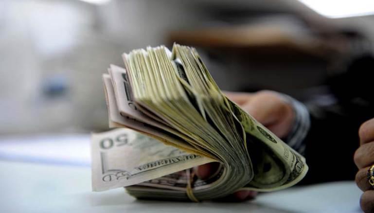 Photo of تريد أن تصبح غنيا؟.. إليك 10 مجالات صنعت أكثر الناس ثراء