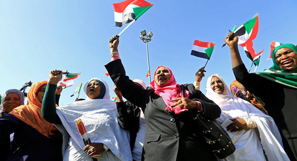 Photo of هل تعلن قحت انشقاقها على خلفية التغيير الوزاري وبروز تحالفات جديدة