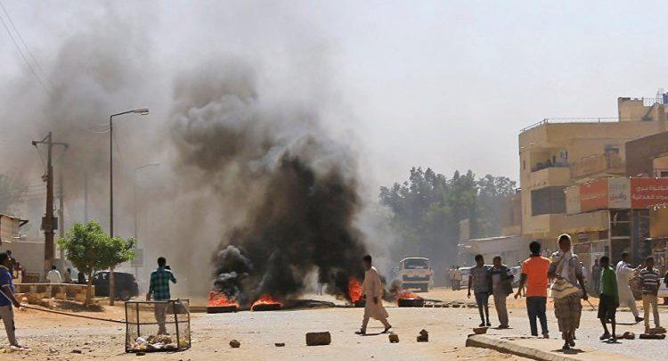 """Photo of تظاهرات واحتجاجات في عدة مناطق بالخرطوم ضد """" التدخل الأممي """""""