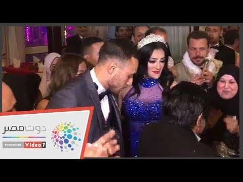 Photo of فيديو ..محمد عنتر يحتفل بخطوبته على مشجعة الزمالك الشهيرة دنيا الحلو