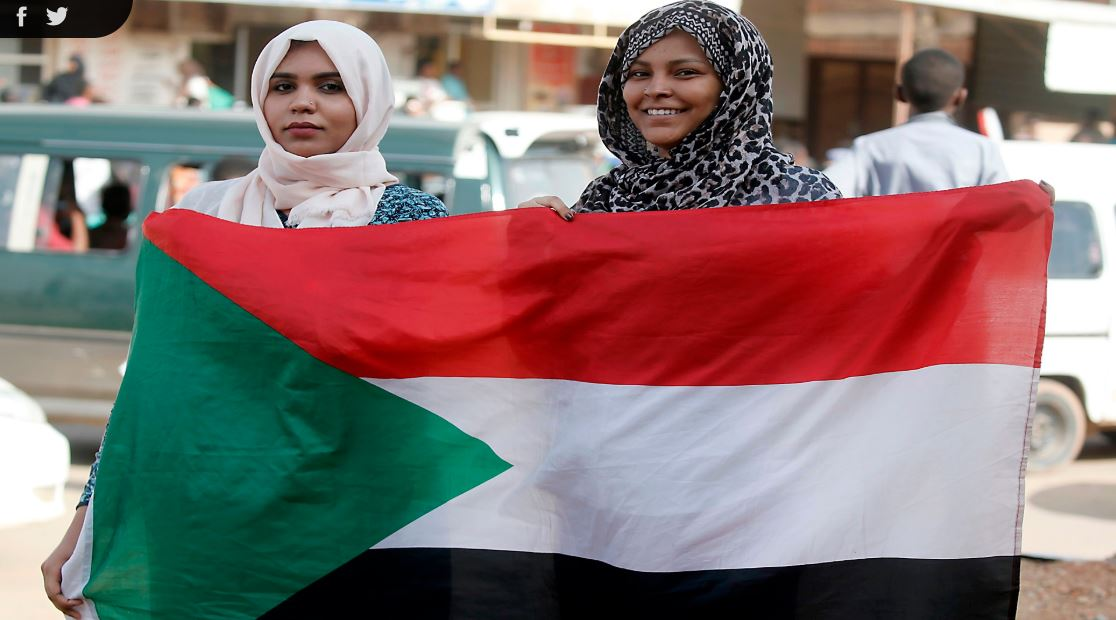 Photo of السودان يصادق على قوانين منها حق المرأة إصطحاب أطفالها حال السفر للخارج