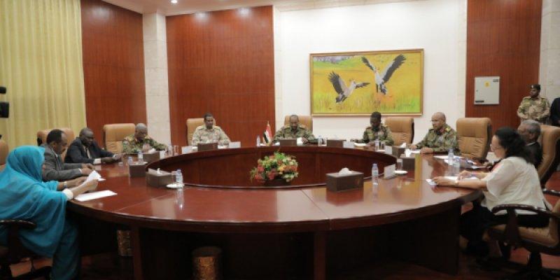 Photo of اعتماد ياسين إبراهيم ياسين وزيرا للدفاع