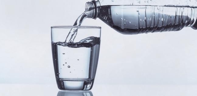 109888 شرب المياه القلوية