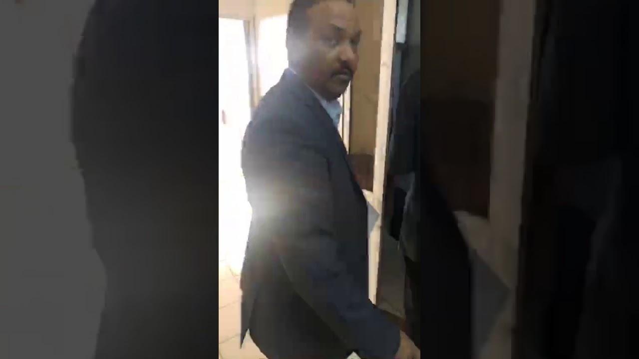 Photo of بالفيديو ..عاصم البنا يواجه حالة وفاة بالمستشفى بسبب جهاز..ويرسل مناشدة عاجلة