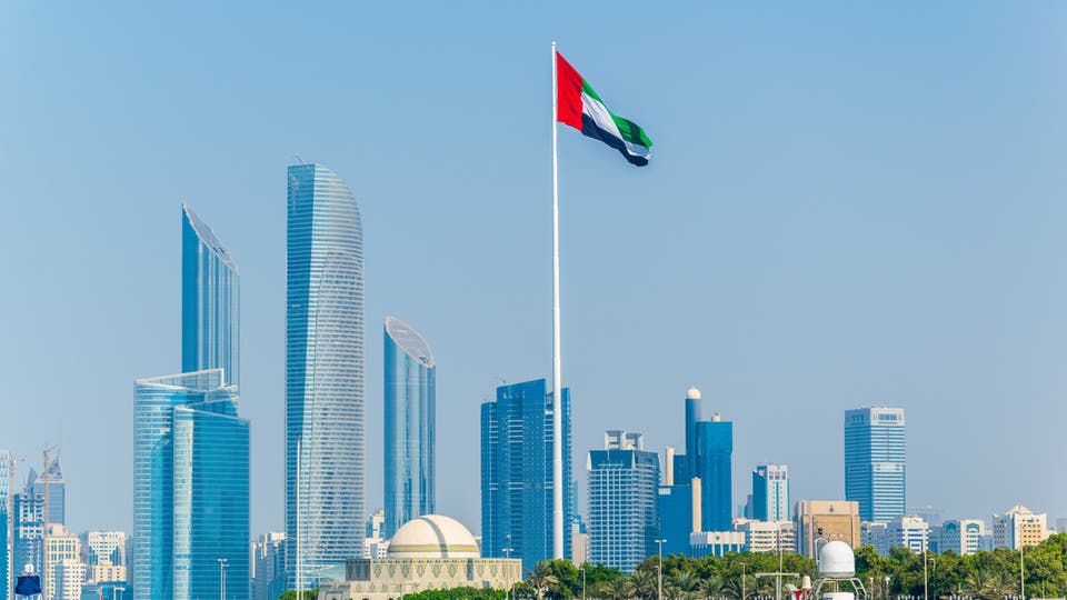 Photo of مع عودة الحياة الطبيعية.. الإمارات تعدل قرارات إقامة الوافدين