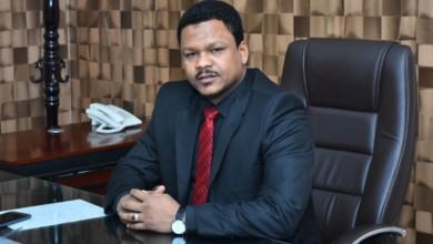Photo of كيف تساهم الأسواق المالية في عملية الاقتصاد السوداني.. حوار مع د/طه حسين